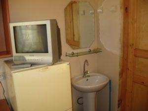 ТВ, холодильник, умывальник