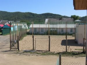 Футбольно-волейбольная площадка с баскетбольным щитом